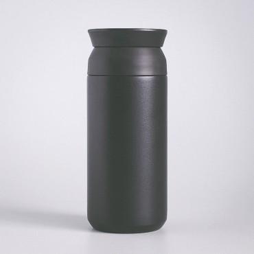 Nerezová termoska pro muže se hodí na kávu, čaj i studený nápoj